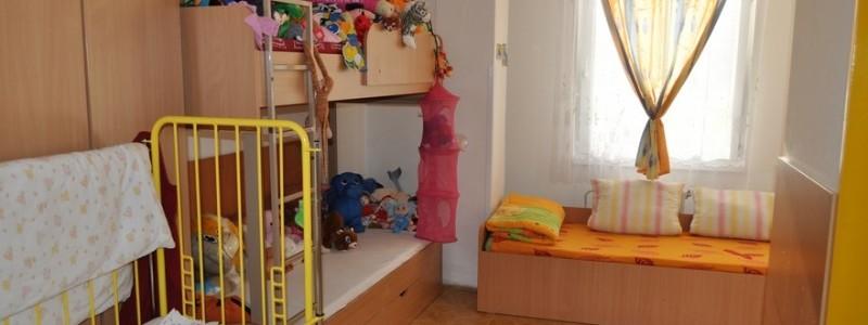 Azylový dům pro ženy a matky s dětmi